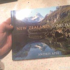 Libros de segunda mano: ANTIGUO LIBRO NEW ZEALAND HORIZONS POR ANDRIS APSE . Lote 74105095
