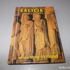 Libros de segunda mano: GALICIA, ES UNA GUÍA EVEREST 1.993. Lote 106167423