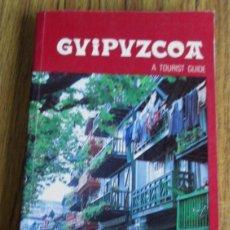 Libros de segunda mano: GUIPUZCOA - A TOURIST GUIDE - ED. DIPUTACIÓN GUIPÚZCOA - CON MAPAS Y FOTOGRAFÍAS A COLOR. Lote 112065779