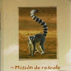 Libros de segunda mano: GERALD DURRELL - MADAGASCAR. TAPA DURA. Lote 119470911