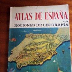 Libros de segunda mano: ATLAS DE ESPAÑA CON NOCIONES DE GEOGRAFÍA 1.965. EDITORIAL HERNANDO. Lote 130036871