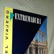 Libros de segunda mano: EXTREMADURA. GUÍA DEL VIAJERO. SUSAETA EDICIONES, 1991.. Lote 135787278