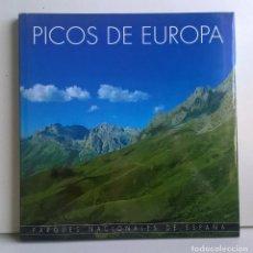 Libros de segunda mano: PARQUES NACIONALES DE ESPAÑA : PICOS DE EUROPA - CÍRCULO DE LECTORES - AÑO 2001. Lote 159000308