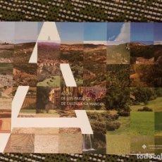 Libros de segunda mano: ATLAS DE LOS PAISAJES DE CASTILLA LA MANCHA,COMO NUEVO.VER DETALLES.. Lote 149766210