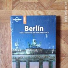 Libros de segunda mano: LONELY PLANET - BERLÍN - PRECINTADO. Lote 184084165
