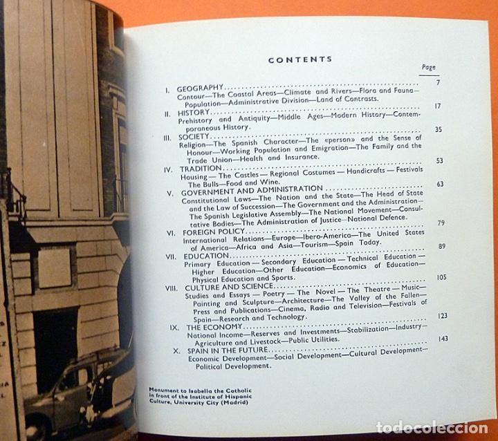 Libros de segunda mano: SPAIN AT A GLANCE - EN INGLÉS - 1964 ?? - VER INDICE - COMO NUEVO - Foto 3 - 194357328
