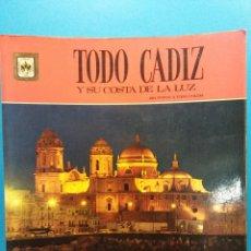 Libros de segunda mano: TODO CADIZ Y SU COSTA DE LUZ. 224 FOTOS A TODO COLOR. EDITORIAL ESCUDO DE ORO S.A.. Lote 194782873