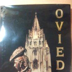 Libros de segunda mano: LIBRO OVIEDO NOCHE Y LUZ GABINO DE LORENZO NARDO VILLABOY. Lote 197391925