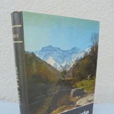 Libros de segunda mano: SIERRA NEVADA. M. FERRER. EDICIONES ANEL. 1971. VER FOTOGRAFIAS ADJUNTAS. Lote 206387245