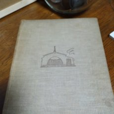 Libros de segunda mano: LIBRO CHALETS Y CASAS DE CAMPO. Lote 219885668