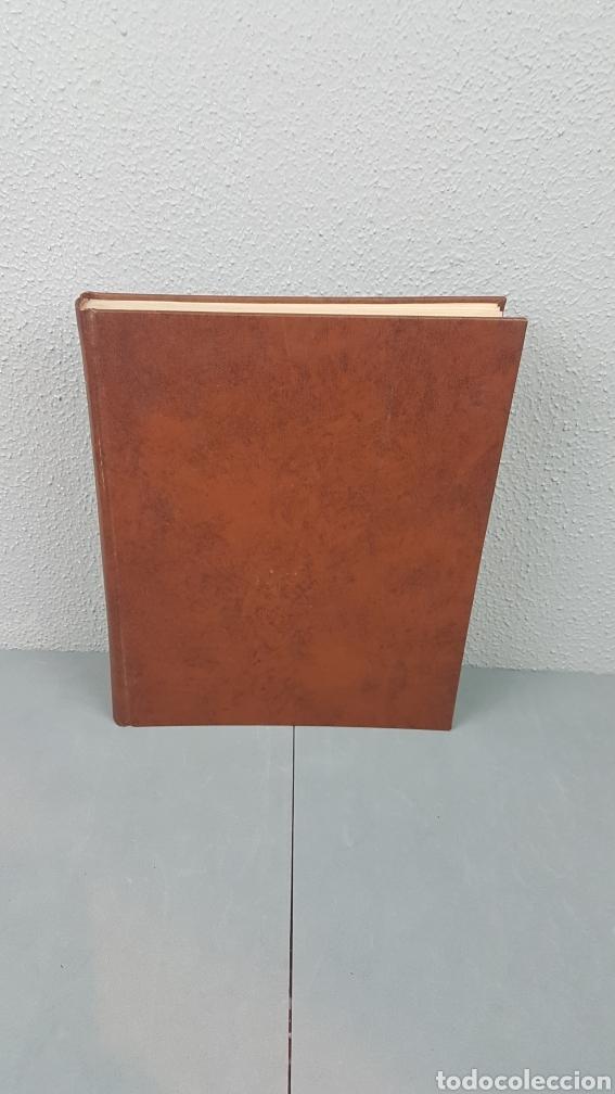 Libros de segunda mano: EXCELENTE LIBRO DE FOTOGRABADOS, ROBERT GILLON DE SEGOVIA. AÑO 1949.EDIC. NUMERO 322. DESCATALOGADO - Foto 2 - 235450250