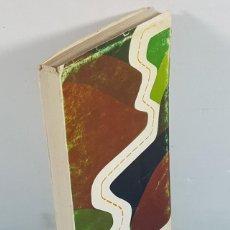 Libros de segunda mano: RUTAS 1970 1971, GUIA TURISTICA DE LERIDA, HUESCA Y ANDORRA, RUSTICA 345 PAGINAS, MUY RARO. Lote 243807390