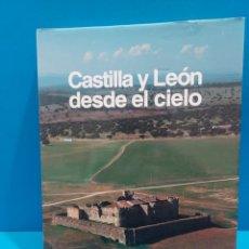 Libros de segunda mano: CASTILLA Y LEON DESDE EL CIELO....1995...VV.AA.. Lote 268584069