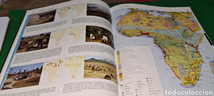 Libros de segunda mano: Atles Català de Geografía Universal. Vox. - Foto 5 - 269836778