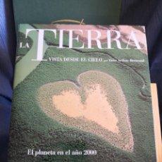 Livres d'occasion: LA TIERRA VISTA DESDE EL CIELO POR JEAN ARTHUS BERTRAND EL PLANETA EN EL AÑO 2000 -ENVÍO CERT. 9.99. Lote 286453248
