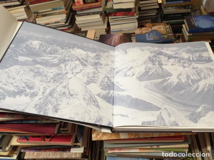 Libros de segunda mano: EVEREST . LA CONQUISTA DE LA CUMBRE . STEPHEN VENABLES. PRÓLOGO SIR EDMUND HILLARY. PLANETA. 2006 - Foto 5 - 290146323