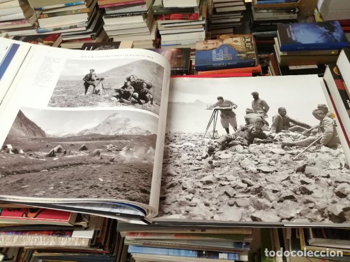 Libros de segunda mano: EVEREST . LA CONQUISTA DE LA CUMBRE . STEPHEN VENABLES. PRÓLOGO SIR EDMUND HILLARY. PLANETA. 2006 - Foto 18 - 290146323