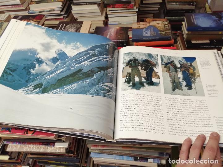 Libros de segunda mano: EVEREST . LA CONQUISTA DE LA CUMBRE . STEPHEN VENABLES. PRÓLOGO SIR EDMUND HILLARY. PLANETA. 2006 - Foto 25 - 290146323