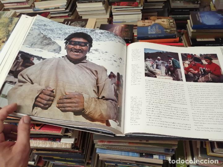 Libros de segunda mano: EVEREST . LA CONQUISTA DE LA CUMBRE . STEPHEN VENABLES. PRÓLOGO SIR EDMUND HILLARY. PLANETA. 2006 - Foto 30 - 290146323