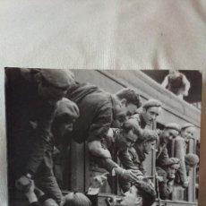 """Libros de segunda mano: COLECCIÓN:""""EL FRANQUISMO AÑO A AÑO"""" LA DIVISIÓN AZUL: ESPAÑA QUIERE VENGARSE DEL COMUNISMO 1941-1942. Lote 162685134"""