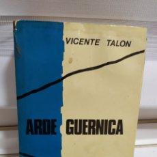 Libros de segunda mano: ARDE GUERICA. Lote 182430626
