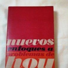 Libros de segunda mano: NUEVOS ENFOQUES A PROBLEMAS DE HOY. SANTIAGO CARRILLO. Lote 186181215