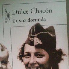 Libros de segunda mano: LA VOZ DORMIDA ( EDICCION ESPECIAL). Lote 194627802