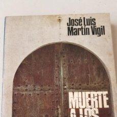 Libros de segunda mano: MUERTE A LOS CURAS. JOSÉ LUIS MARTÍN VIGIL. Lote 235332545