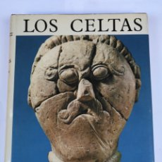 Libros de segunda mano: LOS CELTAS - PAUL MARIE DUVAL - EDITORIAL AGUILAR. Lote 110177467