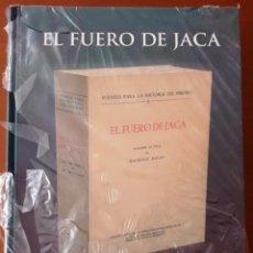 Libros de segunda mano: EL FUERO DE JACA. 2 VOLS. (ED. DE M. MOLHO FACSÍMIL Y ESTUDIOS. CSIC 2003) PRECINTADO. Lote 115360327