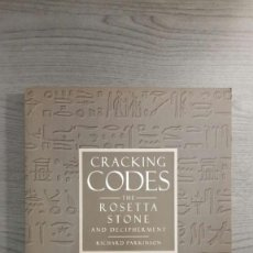 Libros de segunda mano: CRACKING CODES: THE ROSETTA STONE AND DECIPHERMENT. Lote 147740430