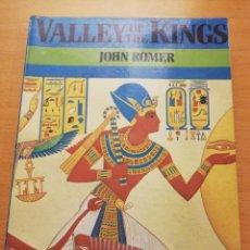 Libros de segunda mano: VALLEY OF THE KINGS (JOHN ROMER). Lote 150305798
