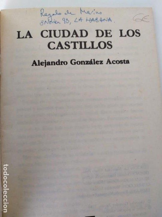 Libros de segunda mano: LA CIUDAD DE LOS CASTILLOS. ALEJANDRO GONZÁLEZ ACOSTA. EDITORIAL ORIENTE. SANTIAGO DE CUBA. 1984. - Foto 3 - 195377898