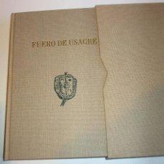 Libros de segunda mano: FUERO DE USAGRE (FACSIMIL) DEL CÓDICE 915 B DEL ARCHIVO HISTÓRICO NACIONAL - ASAMBLEA DE EXTREMADURA. Lote 204325566