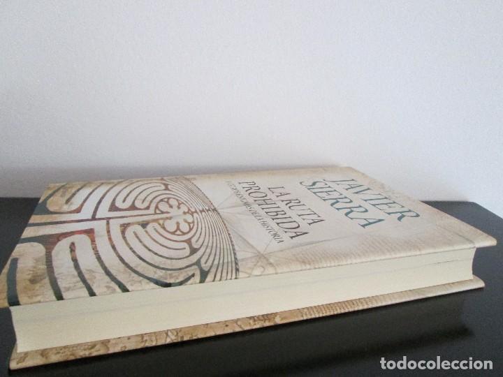 Libros de segunda mano: LA RUTA PROHIBIDA JAVIER SIERRA - Foto 2 - 206159901