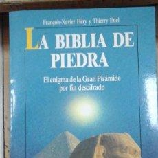 Libros de segunda mano: LA BIBLIA DE PIEDRA (BARCELONA, 1991). Lote 213560398