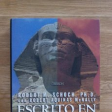 Libros de segunda mano: ESCRITO EN LAS ROCAS. GRANDES CATASTROFES Y ANTIGUAS CIVILIZACIONES / VV.AA. Lote 214364980