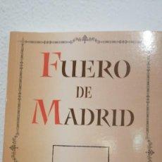 Libros de segunda mano: FUERO DE MADRID VIII CENTENARIO PROMULGACION DEL FUERO DE MADRID EN 1202 AYTO MADRID 2002 21X14CMS. Lote 237940010