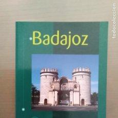 Libros de segunda mano: LIBRO BADAJOZ EDICIONES LANCIA ALBERTO GONZALEZ RODRIGUEZ. Lote 166780010