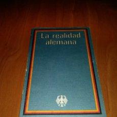Libros de segunda mano: LA REALIDAD ALEMANA LA REPÚBLICA FEDERAL DE ALEMANIA. Lote 168511392