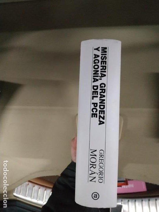 Libros de segunda mano: Miseria, Grandeza y Agonía del PCE - Gregorio Morán. Akal. Gran formato. - Foto 3 - 199559841
