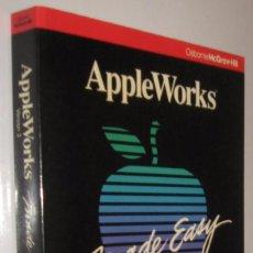 Libros de segunda mano: APPLE WORKS MADE EASY - CAROLE BOGGS - EN INGLES *. Lote 62254960