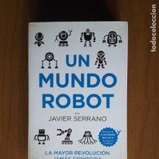 Libros de segunda mano: UN MUNDO ROBOT. Lote 161221382