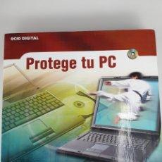 Libros de segunda mano: PROTEGE TU PC. INCLUYE CD. ANAYA MULTIMEDIA 2004. Lote 175470212