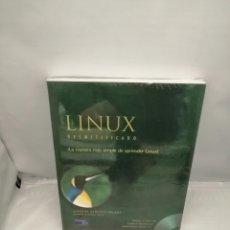 Libros de segunda mano: LINUX DESMITIFICADO: INCLUYE CD-ROM (COMO NUEVO). Lote 237476430