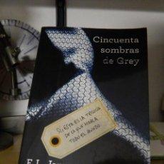 Libros de segunda mano: CINCUENTA SOMBRAS DE GREY - E.L. JAMES - 2012. Lote 74857219