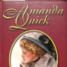 Libros de segunda mano: SECRETOS - AMANDA QUICK - CÍRCULO DE LECTORES. Lote 178691637