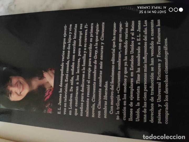 Libros de segunda mano: TRILOGIA CINCUENTA SOMBRAS DE GREY. 1ª EDICIÓN. 2012 - Foto 7 - 183273145