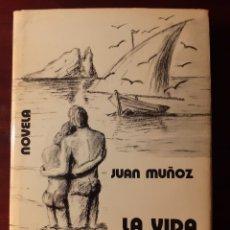 Libros de segunda mano: LA VIDA TIENE UN MURMULLO SEXUAL - JUAN MUÑOZ - 1973. Lote 189114618
