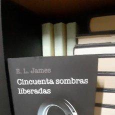 Libros de segunda mano: TRILOGÍA DE LAS 50 SOMBRAS DE GREY. Lote 201133200